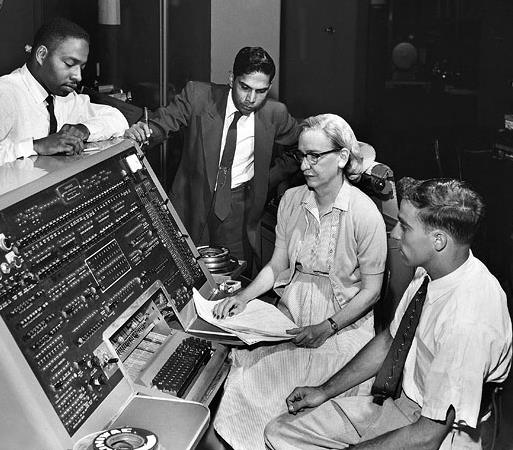 Grace Hopper at the UNIVAC keyboard, 1960. Smithsonian